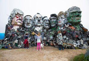 ساخت مجسمه سران G7 با زباله