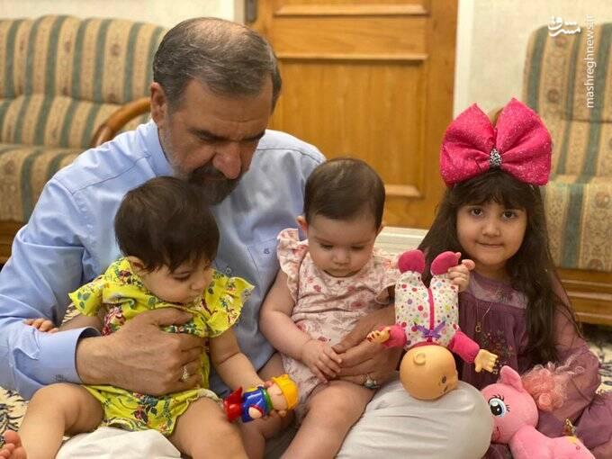 محسن رضایی و ۳ نوه دختر+ عکس
