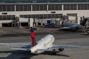 فرود اضطراری یک فروند هواپیمای مسافربری در آمریکا