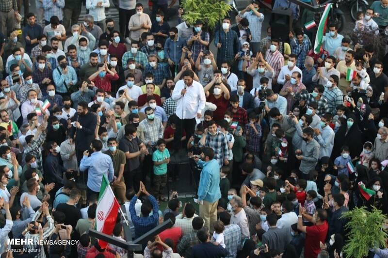 جشن خیابانی دهه کرامت در محله پیروزی