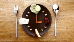 ساعات مناسب و ممنوعه برای وعده شام
