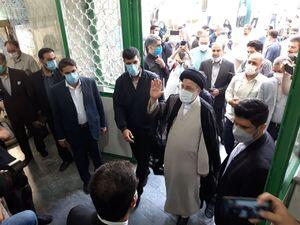 ورود رئیسی به مسجد جامع ارشاد شهر ری