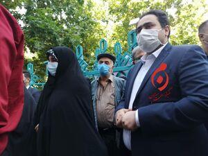عکس/ حضور داماد و دختر رئیس جمهور در انتخابات