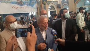 عکس/ منوچهر متکی در مسجد لرزاده رای داد