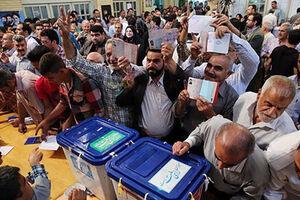 بعضی مردم، رای نداده از شعبه اخذ رای رفتن!