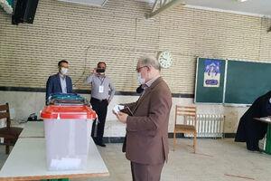 عکس/ رای دادن نمکی وزیر بهداشت
