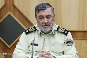 فرمانده نیروی انتظامی آرای خود را به صندوق انداخت