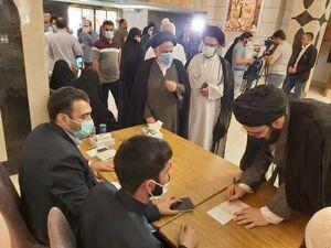 عکس/ نوه امام خمینی در نجف اشرف رای داد