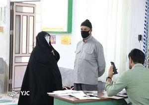 رای دادن پدر و مادر مصی علینژاد+ عکس