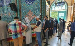 صف رایگیری همچنان در حسینیه ارشاد