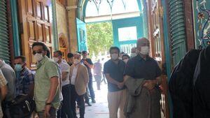 دو صفه شدن رای دهندگان در حسینیه ارشاد