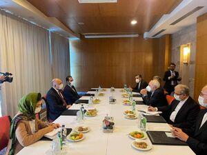 ظریف با وزیر امور خارجه افغانستان دیدار کرد