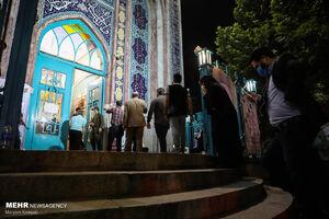 عکس/ حسینیه ارشاد مملو از جمعیت در ساعات پایانی انتخابات