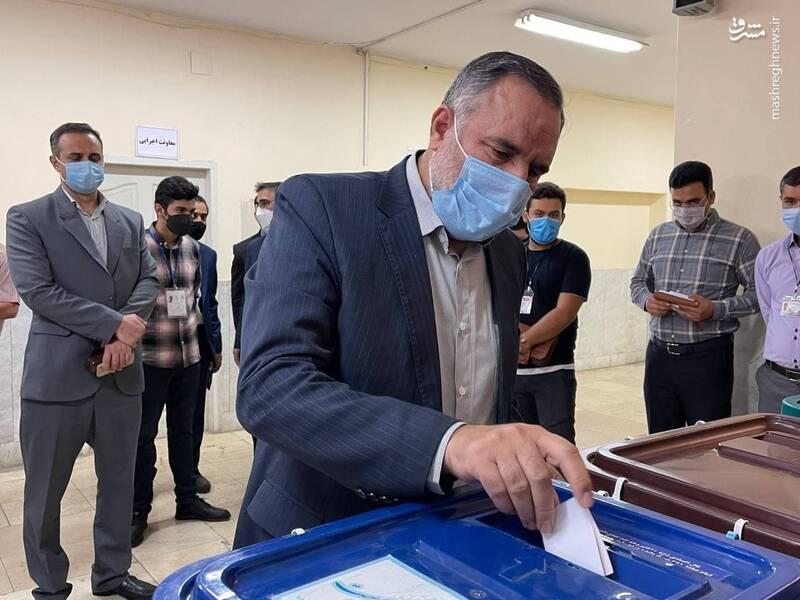 شرکت امیر حیدری فرمانده نیروی زمینی ارتش در انتخابات