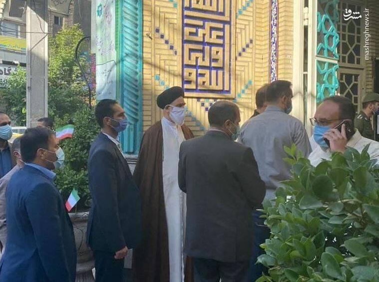 ورود مرتضوی مقدم، رییس دیوان عالی کشور به مسجد ابوذر تهران جهت شرکت در انتخابات