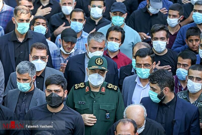 حضور سرلشکر حسین سلامی در شعبه مستقر در حرم حضرت عبدالعظیمحسنی +عکس