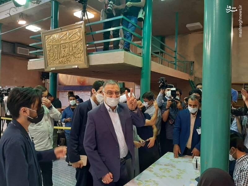 زاکانی در حسینیه جماران رای داد