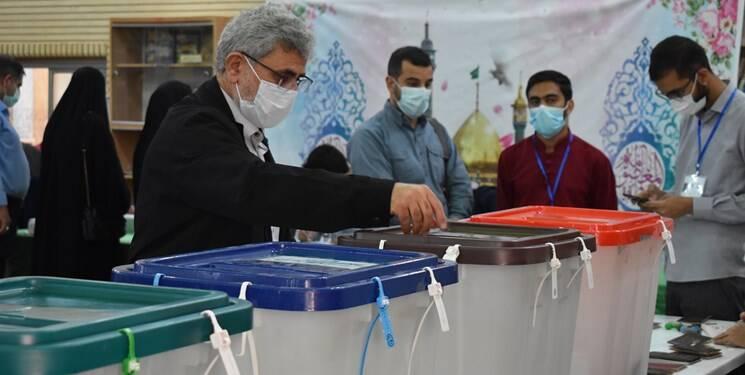 سردار قاآنی آراء خود را به صندوق انداخت +عکس