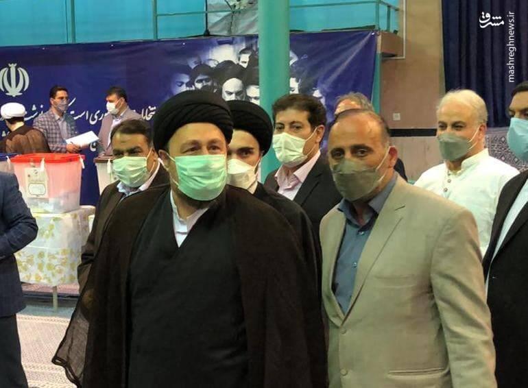 حضور سید حسن خمینی در حسینیه جماران برای شرکت در انتخابات