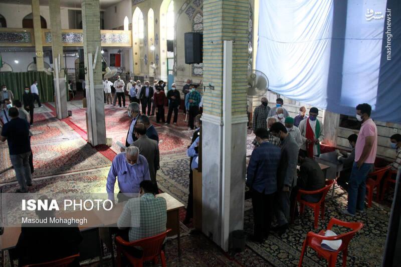 حضور پرشور مردم سمنان پای صندوق های رای