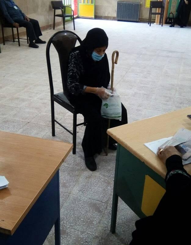 قول انتخاباتی این پیرزن به امام+ عکس