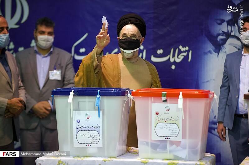 سید محمد خاتمی پای صندوق رای