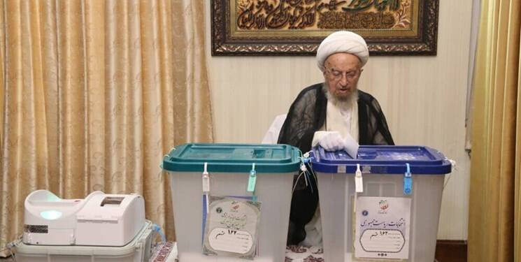 ملت با حضور در انتخابات از کیان نظام دفاع میکنند