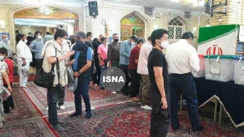 عکس/خبرنگاران چینی در مسجد ابوذر برای پوشش انتخابات