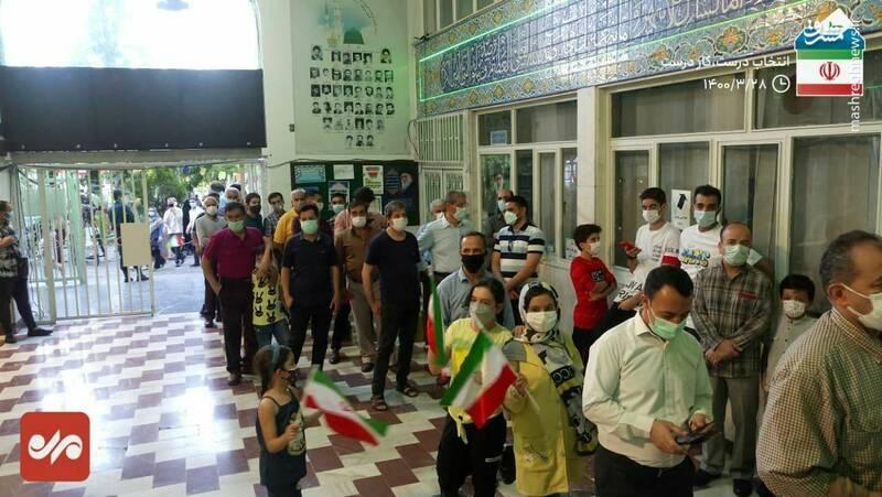 عکس/ صف طولانی در در مسجد النبی نارمک