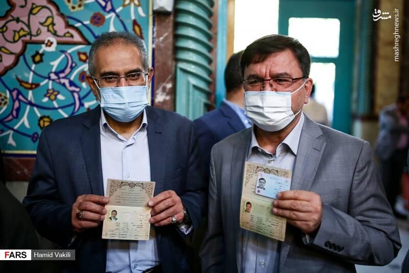 سید محمد حسینی رای خود را به صندوق انداخت