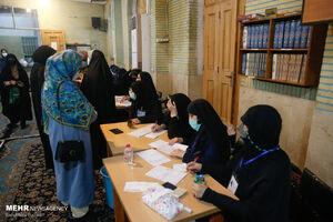 عکس/ ساعات پایانی اخذ رای در محله هفت چنار