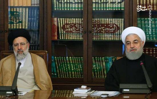روحانی کلید دفتر کارش را به رئیس جمهور منتخب داد + فیلم