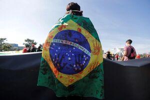 عکس/ مردم معترض در برزیل به خیابانها ریختند