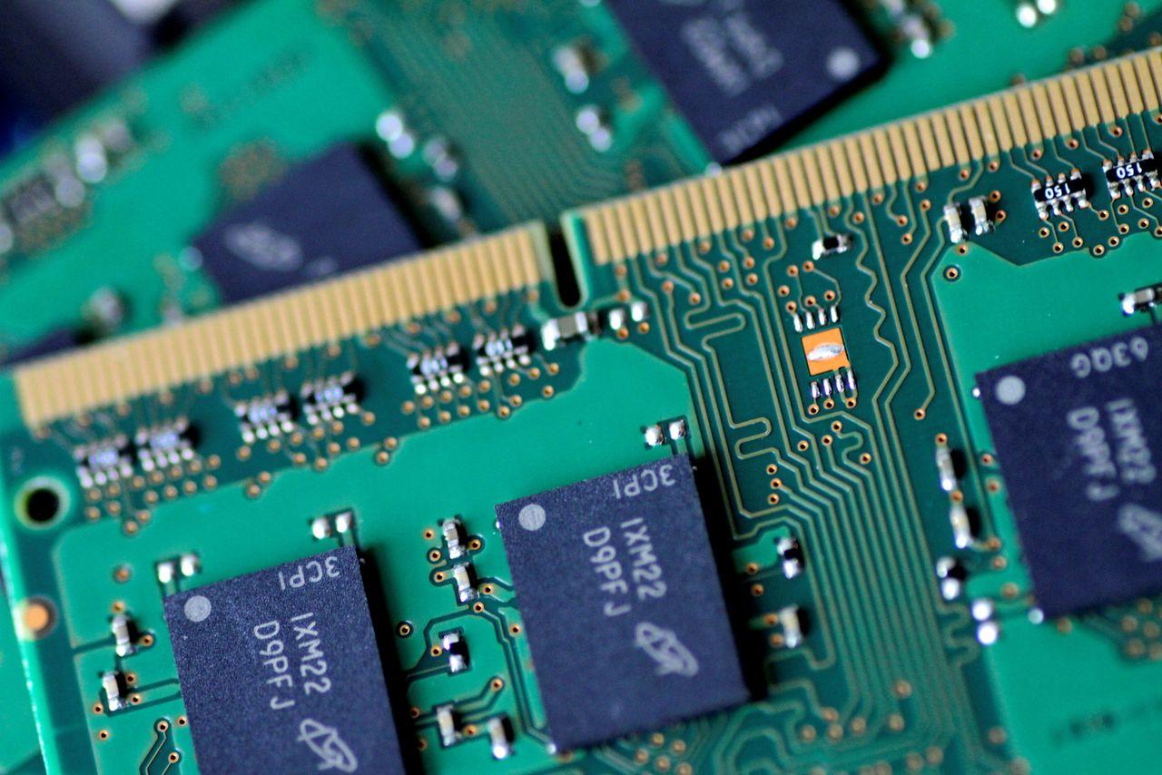 صنعت تولید تراشههای الکترونیک، میدان نبرد بزرگ میان امریکا و چین/ تراشهها چه نقشی در دنیای جدید خواهند داشت؟ +عکس