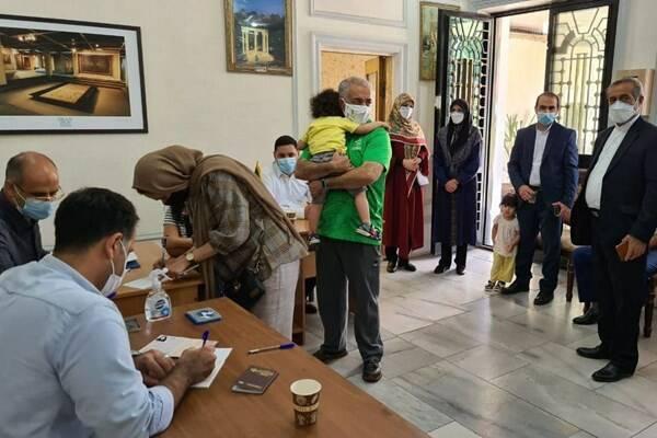 پشت صحنه حمله اراذل و اوباش به ایرانیان مقیم خارج از کشور +عکس و فیلم