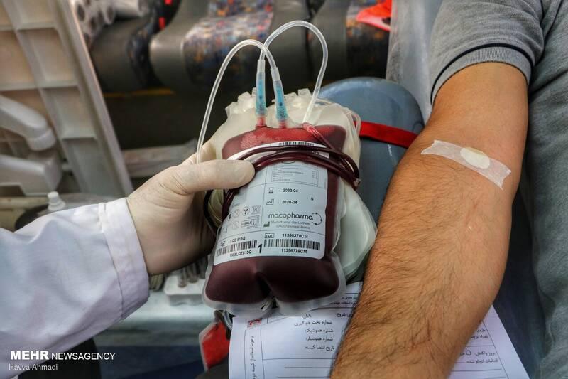 عکس/ اهدای خون در اتوبوس