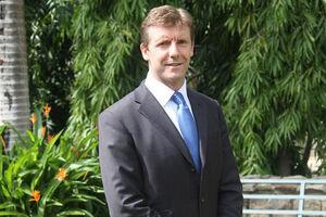 سایمون شرکلیف سفیر جدید انگلیس در ایران