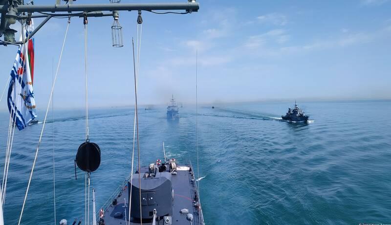 رزمایش جمهوری آذربایجان در «دریای خزر» با هدف دفاع از زیرساختهای انرژی
