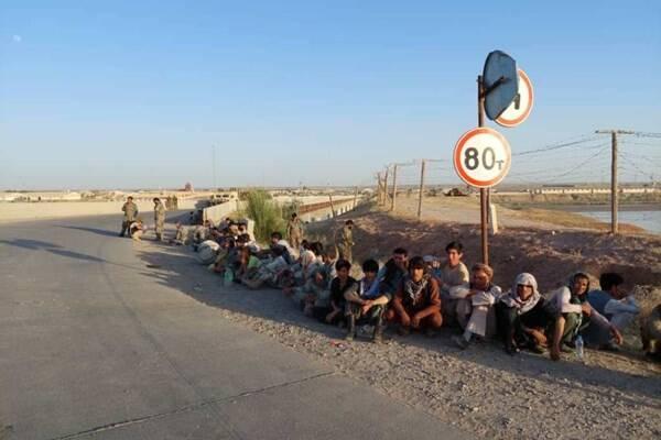 پناهنده شدن بیش از ۱۳۰ نظامی افغانستان به تاجیکستان +عکس