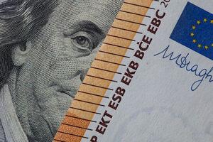 معامله ۳۸۰میلیون دلار ارز در بازار متشکل ارزی