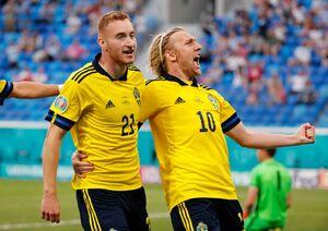 لشگر یک نفره لوا برای صعود لهستان کافی نبود؛ صدرنشینی لحظه آخری سوئد