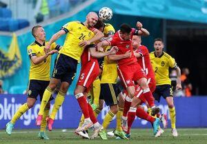 عکس/ جدال تیمهای ملی سوئد و لهستان