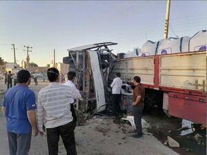 ۵ کشته و ۲۸ مصدوم بر اثر واژگونی اتوبوس در استان یزد +عکس و فیلم