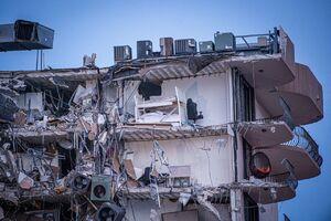 عکس/ فروریختن ساختمان ۱۲ طبقه در فلوریدا