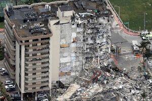 افزایش مفقودیهای ریزش ساختمان در آمریکا به ۱۵۹ نفر