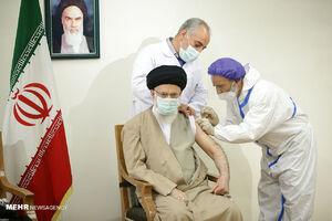 گزارش جالب الجزیره از واکنش مردم کشورهای عربی به تزریق واکسن رهبر انقلاب+ فیلم