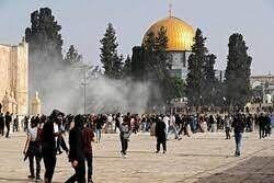 تظاهرات فلسطینی ها علیه محمود عباس در صحن مسجدالاقصی+ فیلم