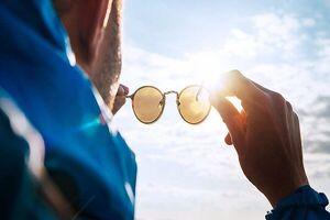 عینک آفتابی استاندارد چه ویژگیهایی دارد؟
