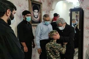 دیدار سردار قاآنی با خانواده شهید «عبداللهزاده»