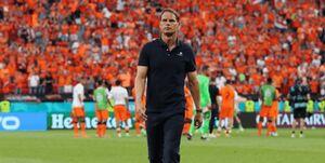 راه تیم ملی فوتبال هلند و دی بوئر از هم جدا شد